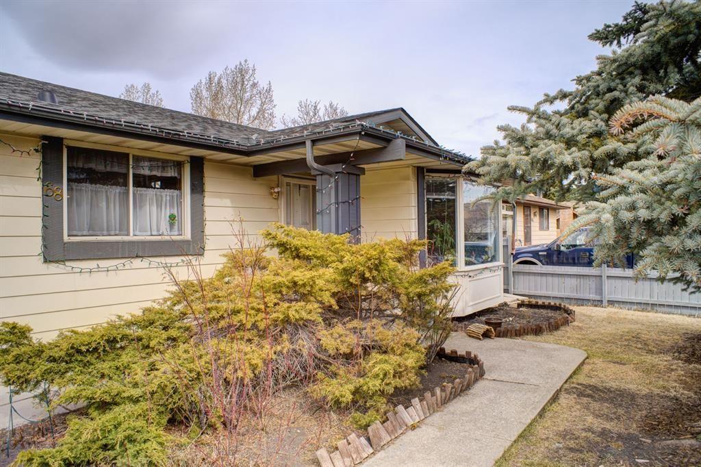 Main Photo: 68 Glendale Way: Cochrane Detached for sale : MLS®# A1101921