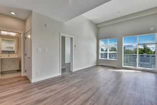 """Photo 6: 512 10838 WHALLEY Boulevard in Surrey: Bolivar Heights Condo for sale in """"The Maverick"""" (North Surrey)  : MLS®# R2583734"""