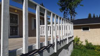 Photo 2: 4815 Vienna Drive NW in Calgary: Varsity Detached for sale : MLS®# A1066076