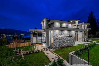 Photo 3: 168 ROE Drive in Port Moody: Barber Street House for sale : MLS®# R2560968
