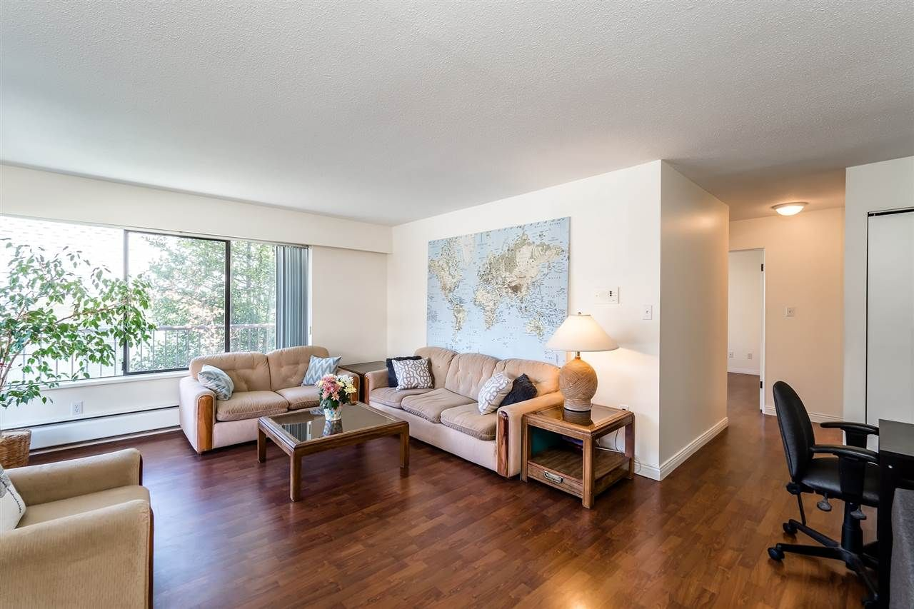 Main Photo: 202 127 E 4TH STREET in North Vancouver: Lower Lonsdale Condo for sale : MLS®# R2161252