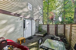 Photo 17: 14835 HOLLY PARK Lane in Surrey: Guildford Townhouse for sale (North Surrey)  : MLS®# R2211598