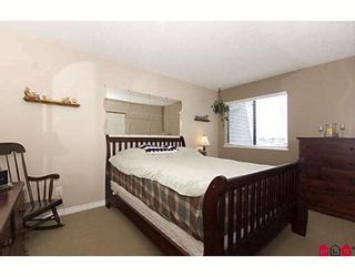 """Photo 7: 205 17661 58A Avenue in Surrey: Cloverdale BC Condo for sale in """"WYNDHAM ESTATES"""" (Cloverdale)  : MLS®# F2906679"""