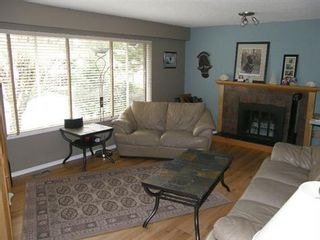 Photo 2: 2945 SEFTON STREET in Port Coquitlam: Home for sale