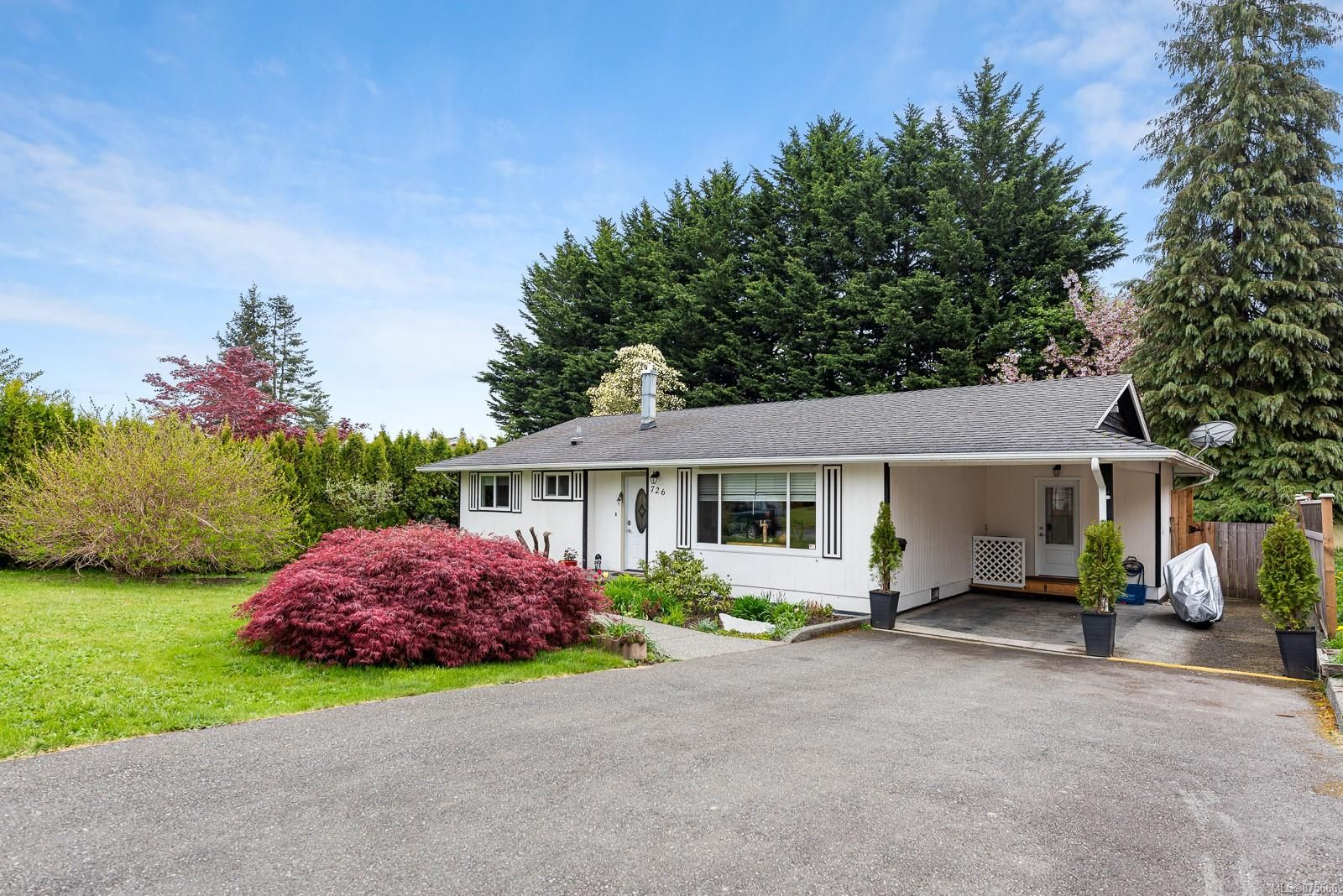 Main Photo: 726 19th St in : CV Courtenay City House for sale (Comox Valley)  : MLS®# 875666