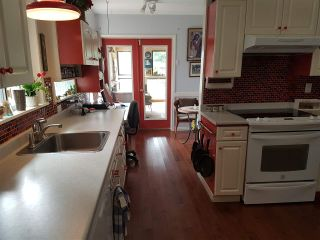 """Photo 5: 14738 109A Avenue in Surrey: Bolivar Heights House for sale in """"bolivar/ellendale"""" (North Surrey)  : MLS®# R2194127"""