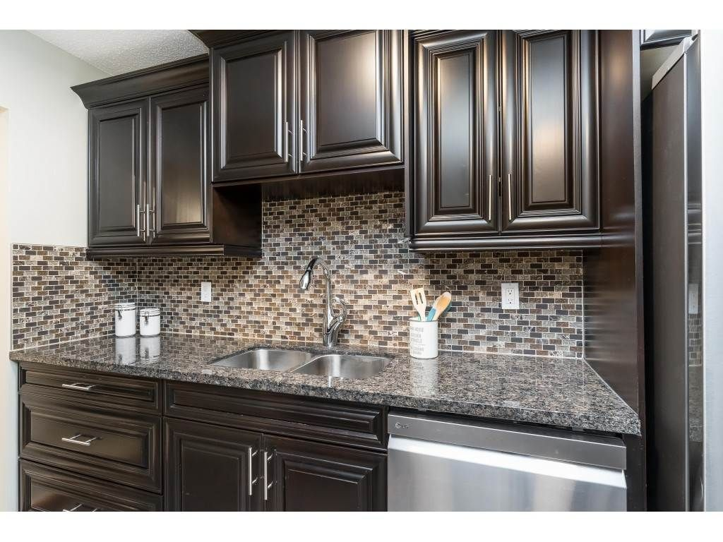"""Photo 5: Photos: 113 33400 BOURQUIN Place in Abbotsford: Central Abbotsford Condo for sale in """"Bakerview Place"""" : MLS®# R2523982"""