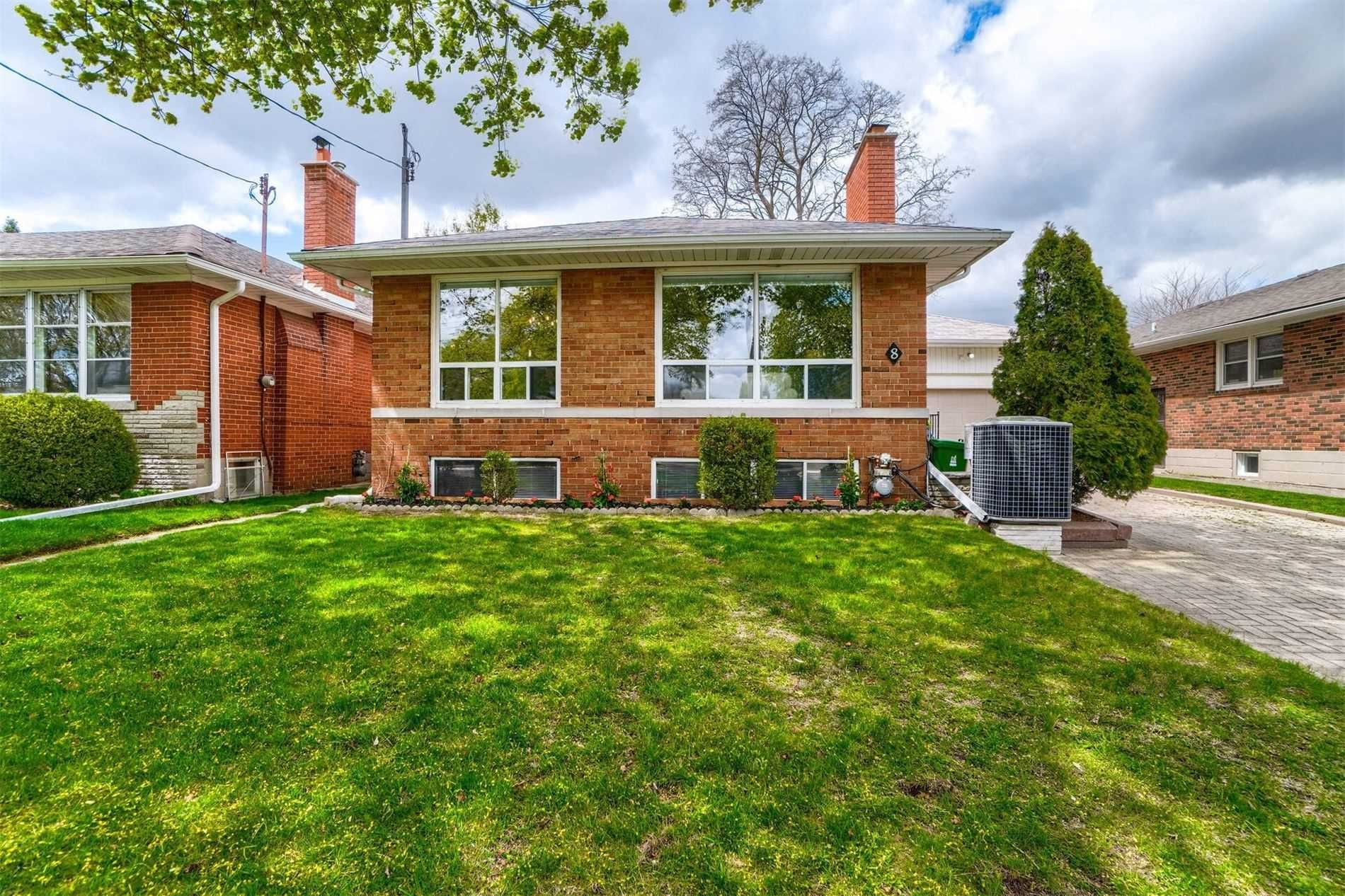 Main Photo: 8 Dumbarton Road in Toronto: Stonegate-Queensway House (Bungalow) for sale (Toronto W07)  : MLS®# W5232182
