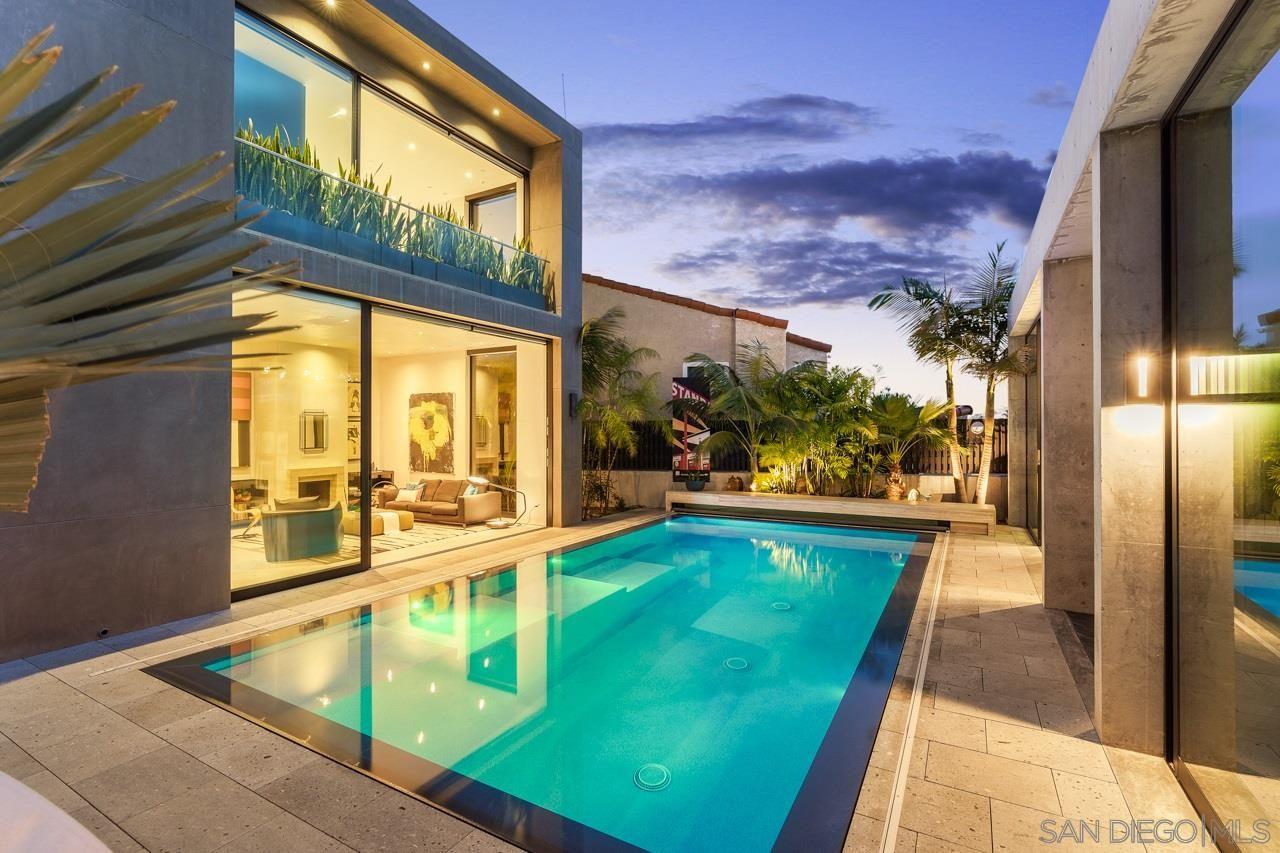 Main Photo: LA JOLLA House for sale : 4 bedrooms : 1228 Park Row