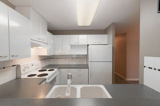 """Photo 3: 405 4425 HALIFAX Street in Burnaby: Brentwood Park Condo for sale in """"POLARIS"""" (Burnaby North)  : MLS®# R2120218"""