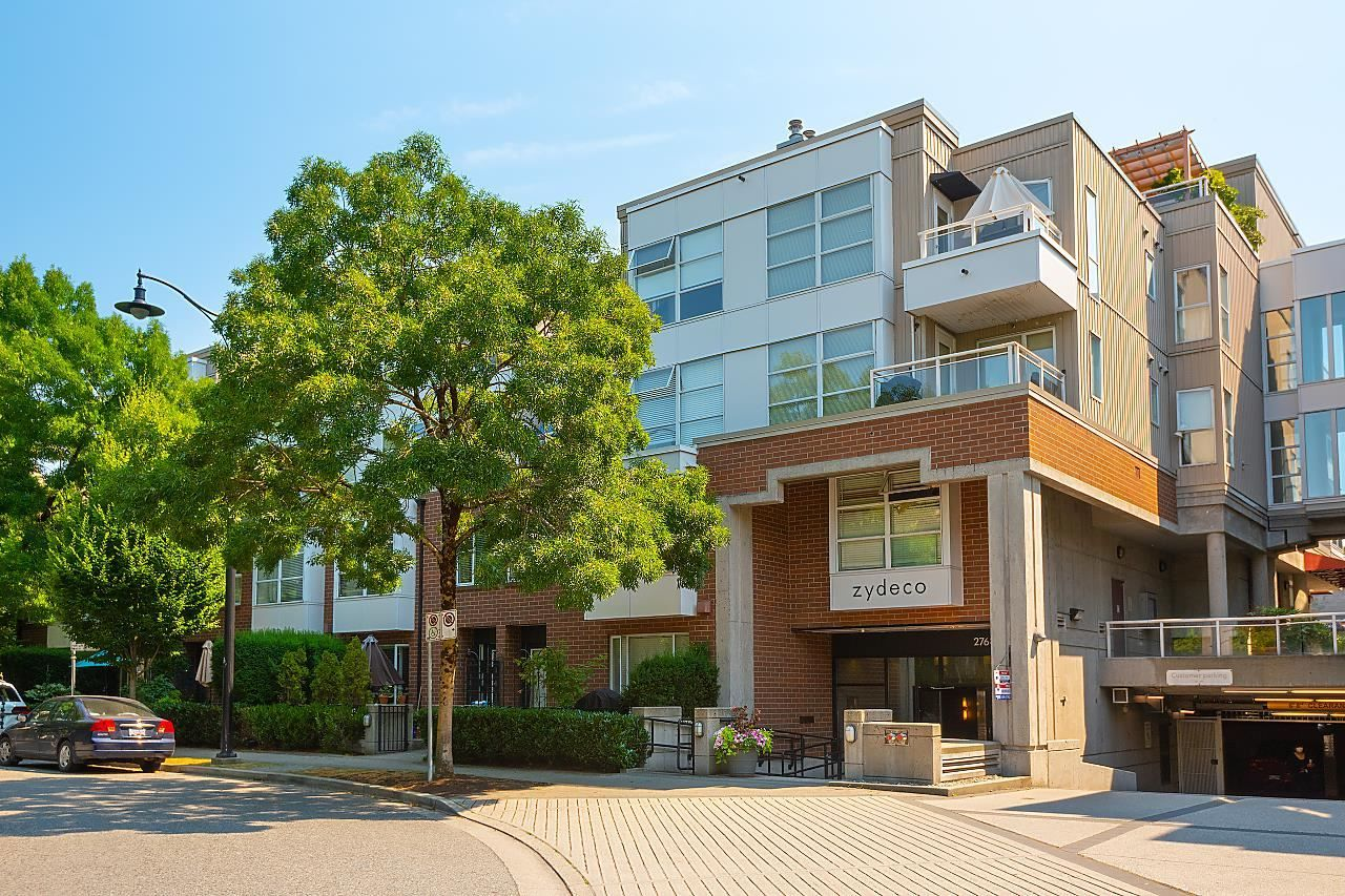 """Main Photo: 211 2768 CRANBERRY Drive in Vancouver: Kitsilano Condo for sale in """"ZYDECO"""" (Vancouver West)  : MLS®# R2598396"""