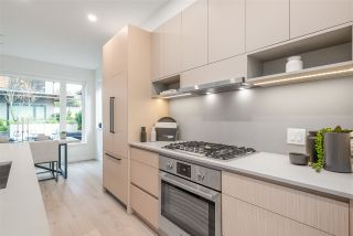 """Photo 6: TH49 528 E 2ND Street in North Vancouver: Lower Lonsdale Townhouse for sale in """"Founder Block South"""" : MLS®# R2543629"""