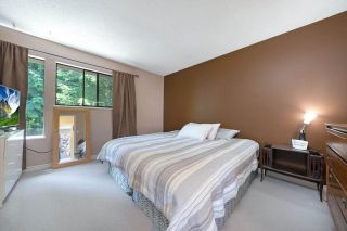 """Photo 12: 4794 WILLOWDALE Place in Burnaby: Greentree Village Townhouse for sale in """"Greentree Village"""" (Burnaby South)  : MLS®# R2590442"""