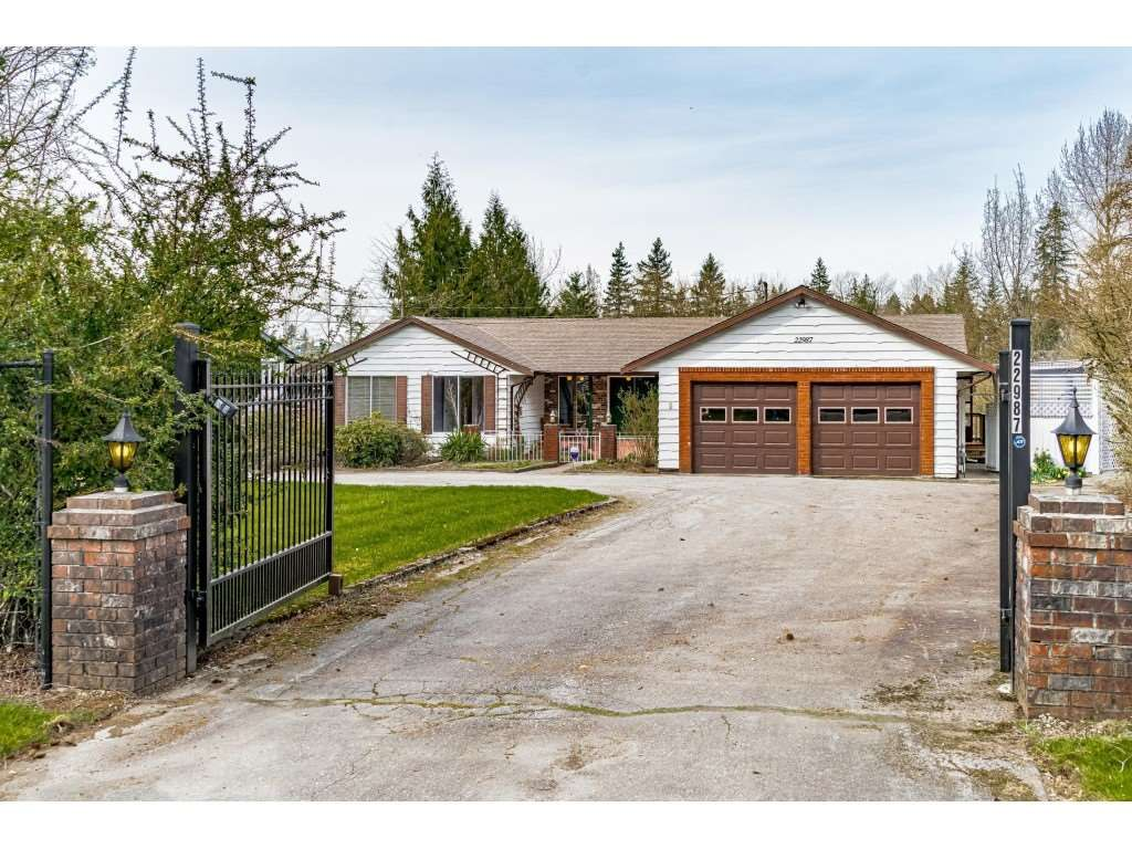 Main Photo: 22987 74 AVENUE in Langley: Salmon River House for sale : MLS®# R2558857