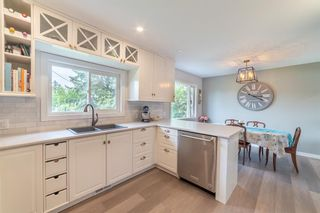 Photo 5: 2820 GRANT Crescent SW in Calgary: Glenbrook Detached for sale : MLS®# A1118320