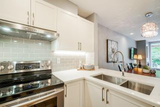 "Photo 3: 202 2268 W 12TH Avenue in Vancouver: Kitsilano Condo for sale in ""THE CONNAUGHT"" (Vancouver West)  : MLS®# R2512277"