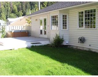 Photo 3: 3245 BELLAMY Road in Prince_George: Mount Alder House for sale (PG City North (Zone 73))  : MLS®# N187086