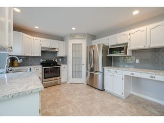 """Photo 12: 22111 45A Avenue in Langley: Murrayville House for sale in """"Murrayville"""" : MLS®# R2542874"""