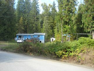 Photo 2: 2544 Vickers  Trail in Anglemont: North Shuswap House for sale (Shuswap)  : MLS®# 10036911