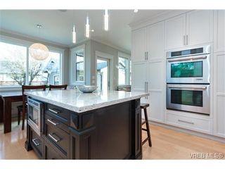 Photo 3: 589 Hampshire Rd in VICTORIA: OB South Oak Bay House for sale (Oak Bay)  : MLS®# 722882