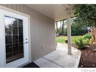 Photo 4: 2566 Selwyn Rd in VICTORIA: La Mill Hill Half Duplex for sale (Langford)  : MLS®# 744883