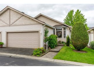 """Photo 1: 98 9012 WALNUT GROVE Drive in Langley: Walnut Grove Townhouse for sale in """"Queen Anne Green"""" : MLS®# R2456444"""