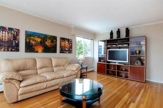 Photo 2: 403 1425 ESQUIMALT AVENUE in West Vancouver: Ambleside Condo for sale : MLS®# R2430904