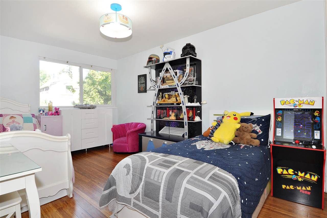 """Photo 15: Photos: 206 225 SIXTH Street in New Westminster: Queens Park Condo for sale in """"ST. GEORGE'S MANOR"""" : MLS®# R2394258"""
