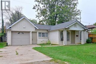Photo 2: 19 WESTMORELAND in Leamington: House for sale : MLS®# 21019907