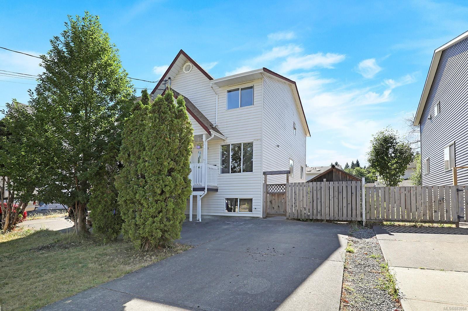 Main Photo: B 2052 1st St in : CV Courtenay City Half Duplex for sale (Comox Valley)  : MLS®# 883984