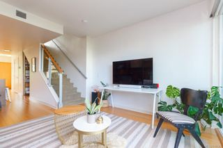 Photo 4: 3 395 Tyee Rd in Victoria: VW Songhees Row/Townhouse for sale (Victoria West)  : MLS®# 840543