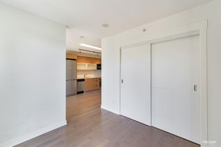 """Photo 17: 407 10777 UNIVERSITY Drive in Surrey: Whalley Condo for sale in """"City Point"""" (North Surrey)  : MLS®# R2599755"""