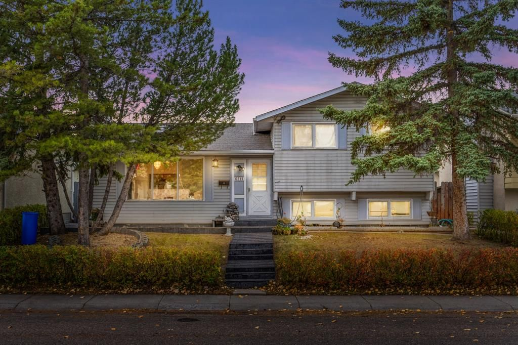 Main Photo: 6219 Penworth Road SE in Calgary: Penbrooke Meadows Detached for sale : MLS®# A1153877