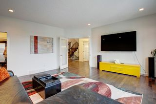 Photo 13: 127 Springbluff Boulevard SW in Calgary: Springbank Hill Detached for sale : MLS®# A1140601