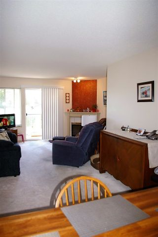 """Photo 8: 202 45504 MCINTOSH Drive in Chilliwack: Chilliwack W Young-Well Condo for sale in """"Vista View"""" : MLS®# R2209228"""