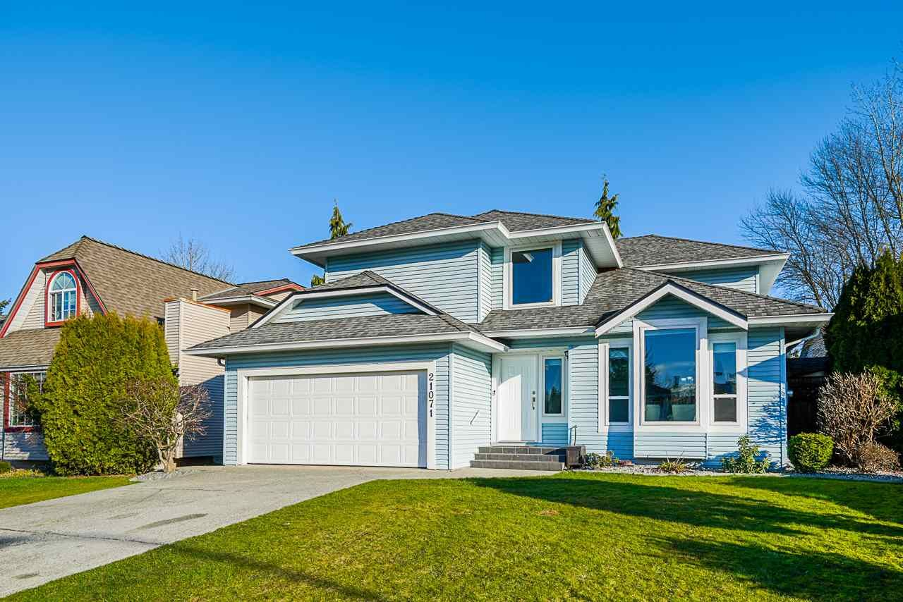 Main Photo: 21071 92 Avenue in Langley: Walnut Grove House for sale : MLS®# R2531110
