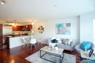 """Photo 1: 690 W 6TH Avenue in Vancouver: Fairview VW Townhouse for sale in """"Fairview"""" (Vancouver West)  : MLS®# R2552452"""