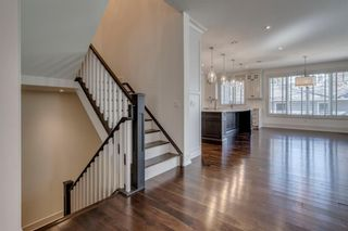Photo 8: 808 24 Avenue NW in Calgary: Mount Pleasant Detached for sale : MLS®# A1102471