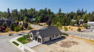 """Photo 7: 29559 CORVINA Court in Abbotsford: Aberdeen House for sale in """"The Vine at Pepin Brook"""" : MLS®# R2607468"""