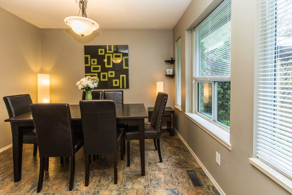 """Photo 11: Photos: 1 23151 HANEY Bypass in Maple Ridge: East Central Townhouse for sale in """"STONEHOUSE ESTATES"""" : MLS®# R2283761"""