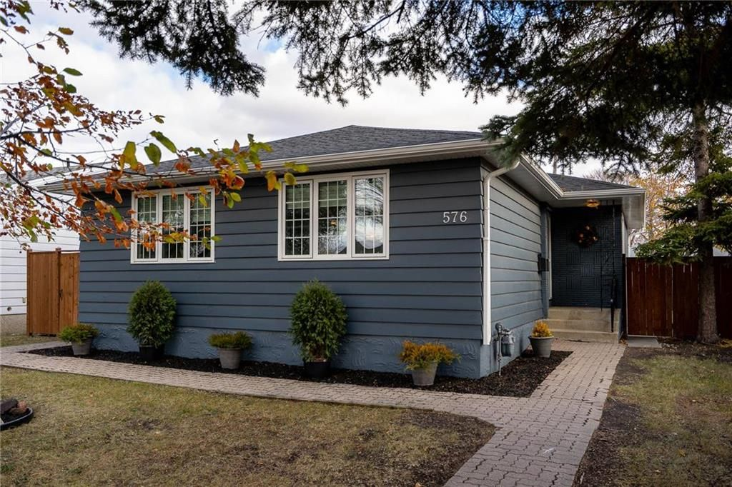 Main Photo: 576 Borebank Street in Winnipeg: River Heights Residential for sale (1D)  : MLS®# 202026575
