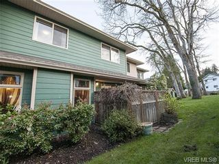Photo 18: 2 1241 Santa Rosa Ave in VICTORIA: SW Strawberry Vale Row/Townhouse for sale (Saanich West)  : MLS®# 725343