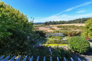 Photo 8: 1003 Kingsley Cres in : CV Comox (Town of) House for sale (Comox Valley)  : MLS®# 886032
