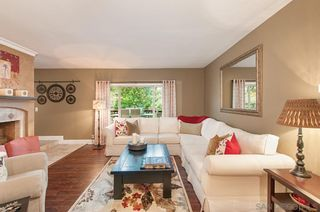 Photo 3: MOUNT HELIX House for sale : 4 bedrooms : 4326 Calavo Drive in La Mesa