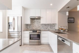 """Photo 2: 282A EVERGREEN Drive in Port Moody: College Park PM Townhouse for sale in """"Evergreen"""" : MLS®# R2570178"""