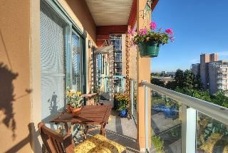 "Photo 7: 402 111 W 5TH Street in North Vancouver: Lower Lonsdale Condo for sale in ""CARMEL PLACE II"" : MLS®# V913153"