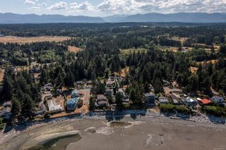 Photo 3: 1791 Astra Rd in : CV Comox Peninsula Manufactured Home for sale (Comox Valley)  : MLS®# 883266