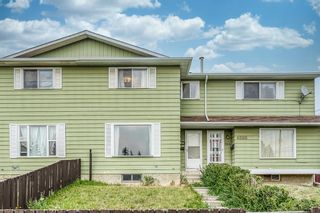 Main Photo: 4564 7 Avenue SE in Calgary: Forest Heights Row/Townhouse for sale : MLS®# A1146777