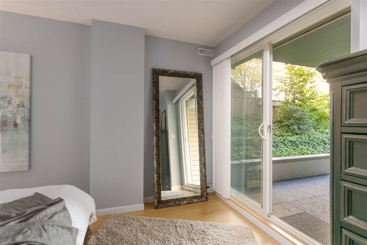 """Photo 10: Photos: 106 2428 W 1ST Avenue in Vancouver: Kitsilano Condo for sale in """"Noble House"""" (Vancouver West)  : MLS®# R2212887"""
