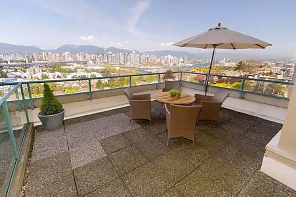 "Main Photo: 601 1355 W BROADWAY Street in Vancouver: Fairview VW Condo for sale in ""THE BROADWAY"" (Vancouver West)  : MLS®# V646336"